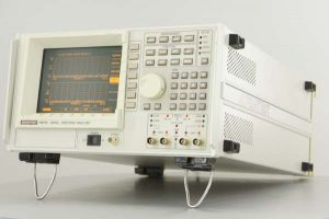 ADVANTEST R9211E DIGTAL SPECTRUM ANALYZER