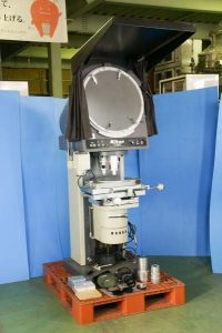 Nikon V-20A PROFILE PROJECTOR